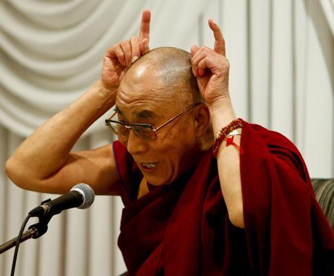 Dalai Lama dá conferência de imprensa no Japão