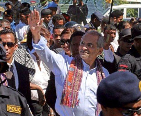 Ramos-Horta à chegada a Timor