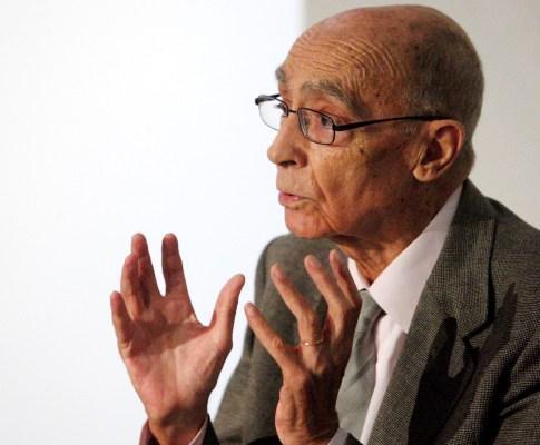 Exposição sobre a vida de Saramago