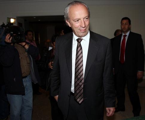 Santana Lopes à chegada ao Conselho Nacional do PSD (António Cotrim/LUSA)