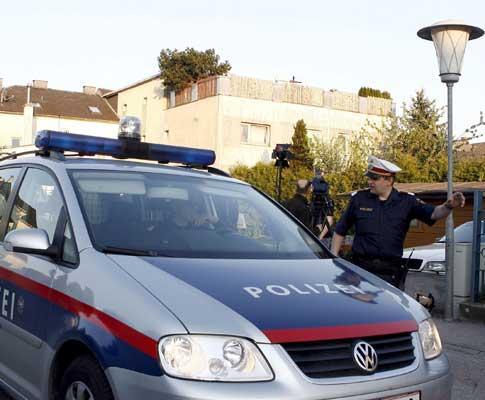 Austríaca de 42 anos esteve sequestrada pelo próprio pai durante mais de 20 anos numa cave