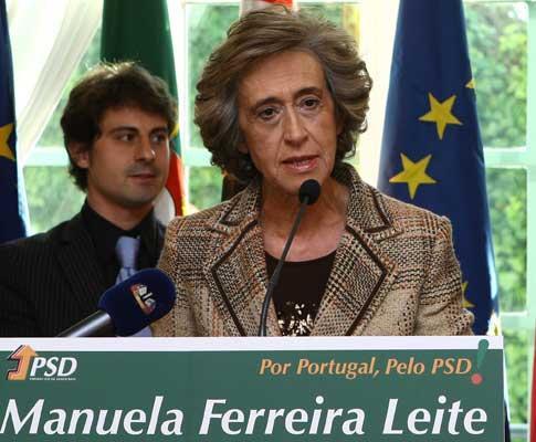 Ferreira Leite apresentou candidatura à liderança do PSD