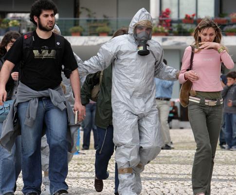 Simulação de ataque terrorista com antrax