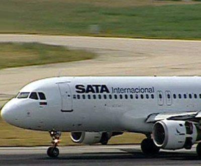 """[Portugal] Comandante da SATA diz que ganha demasiado e que a empresa tem aviões """"obsoletos"""" 800"""