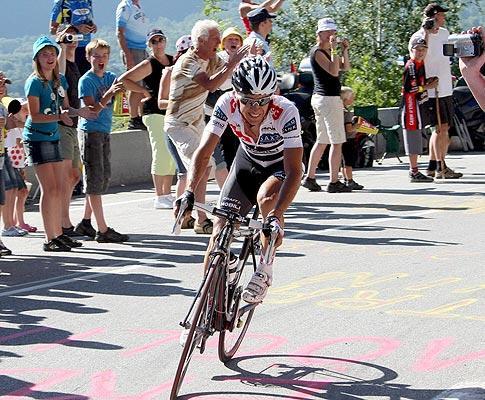 e422feb9202 Ciclista espanhol resistiu no decisivo contra-relógio.