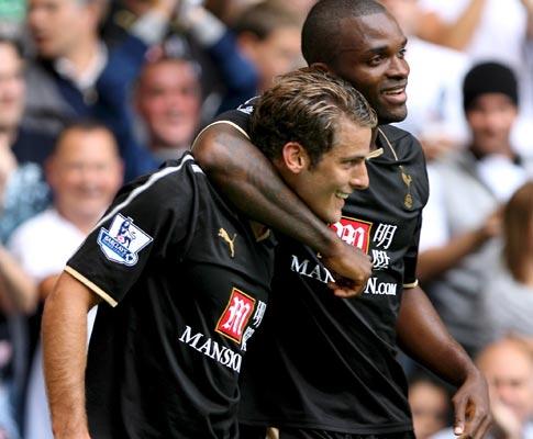 Tottenham goleia Roma