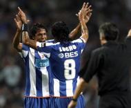 Bruno Alves e Lucho comemoram golo