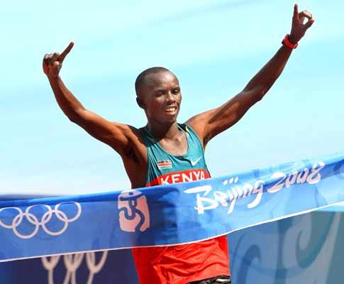 Samuel Wanjiru (QUE) é o novo recordista olímpico da Maratona