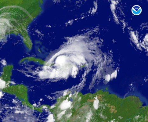 Imagem de satélite da tempestade Hanna sobre as Caraíbas (EPA)