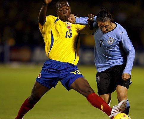 Rodríguez na vitória do Uruguai sobre a Colômbia