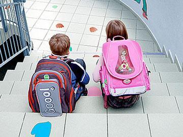 Cuidado na volta às aulas: peso de mochila pode prejudicar a