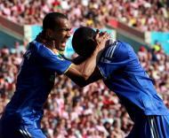Bosingwa festeja primeiro golo no Chelsea