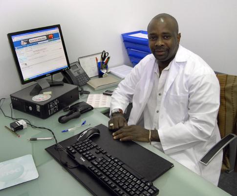 Julio Riquet, médico cubano em Portugal