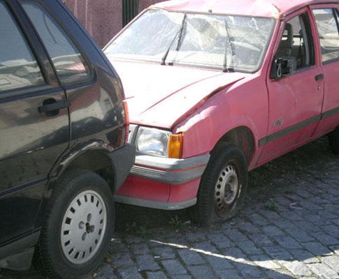 «Sucatas» da PSP no Porto