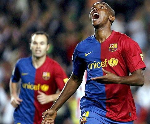 VÍDEO: lembra-se dos melhores momentos de Eto'o no Barcelona?