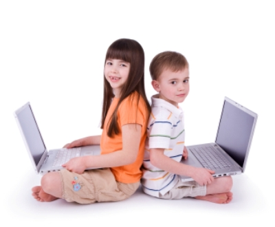 Crianças ao computador
