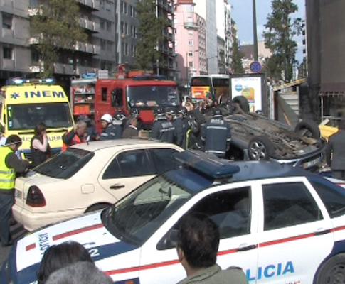 Acidente na Avenida Fontes Pereira de Melo