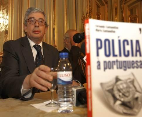 O ministro Rui Pereira no lançamento de um livro