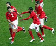 John Terry festeja golo na vitória da Inglaterra sobre a Alemanha (2-1)