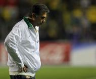 Desalento de Carlos Queiroz na derrota com o Brasil