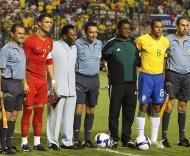 Brasil-Portugal, pose com Pelé (Foto FPF)