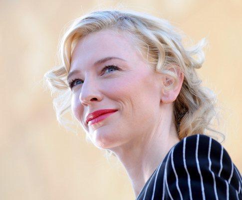 Cate Blanchett recebeu estrela no Passeio da Fama