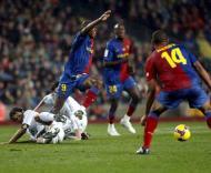 Raul (Real Madrid) e Etoo (Barcelona) em Camp Nou