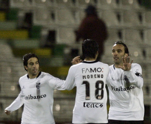 Nuno Assis, Moreno e Flávio Meireles comemora golo no Bonfim