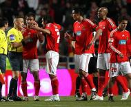Benfica-Nacional: protestos «encarnados» (Foto Lusa)