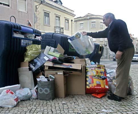 Portugueses não reciclam lixo no Natal