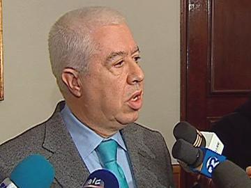 Teixeira dos Santos: Prioridade é assegurar empregos