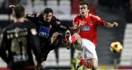 Mossoró (Sp. Braga) e Miguel Vítor (Benfica) em luta pela bola