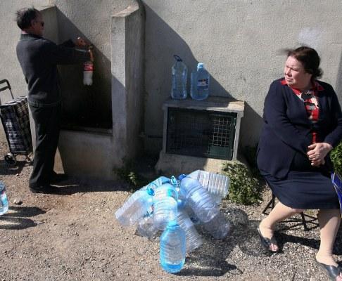 Bairro do Serrado em Agualva, Sintra, sem água canalizada