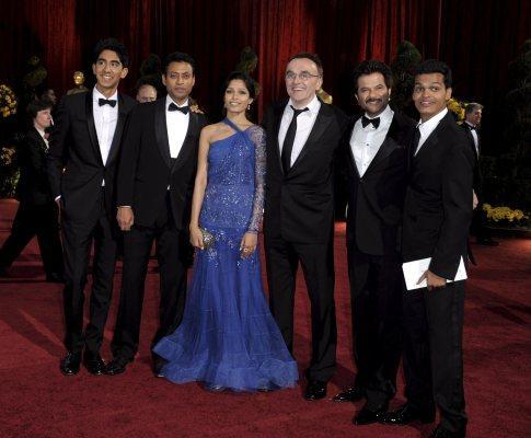 Elenco de «Quem Quer Ser Bilionário?» na 81ª gala dos Óscares (EPA)