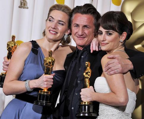 Kate Winslet, Sean Penn e Penélope Cruz na 81ª gala dos Óscares (EPA)