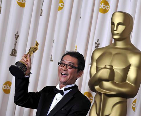 Yojiro Takita na 81ª gala dos Óscares (EPA)