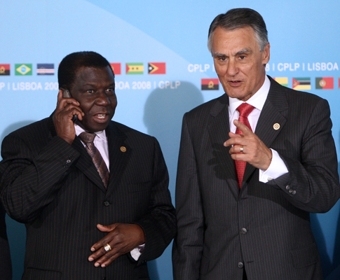 Nino Vieira com Cavaco Silva, na VII Cimeira da CPLP, a 25 de Julho de 2008, em Lisboa