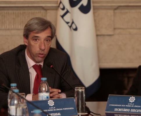João Gomes Cravinho após reunião da CPLP