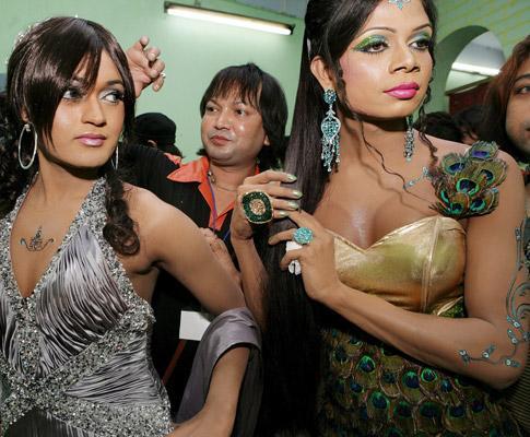 Prostitutas em desfile de moda