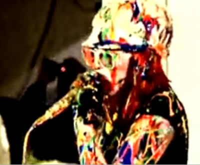 The Ting Tings «atacados» com tinta