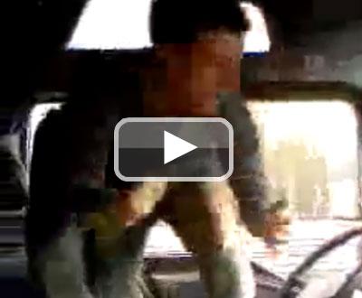 Tarzan ao volante - play