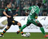 Pizarro (esq.) e Bayal (dir.), durante o St. Etienne-Werder Bremen