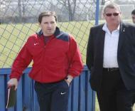 Toni no Cluj com o presidente Iuliu Muresan