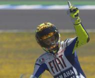 Valentino Rossi (Yamaha) celebra vitória no Grande Prémio de Espanha em Moto GP