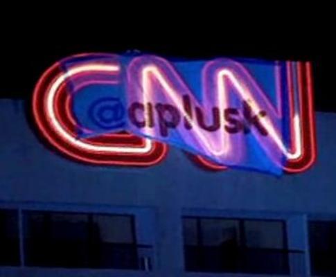 Ashton Kutcher prega partida à CNN