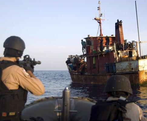 Piratas somalis capturados - EPA/ERIC L. BEAUREGARD