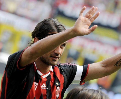 Paolo Maldini despede-se de San Siro