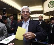 José Eduardo Bettencourt a votar em Alvalade