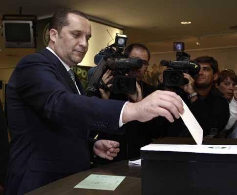 Paulo Cristóvão a votar em Alvalade