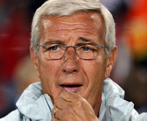 Marcelo Lippi durante a derrota da Itália
